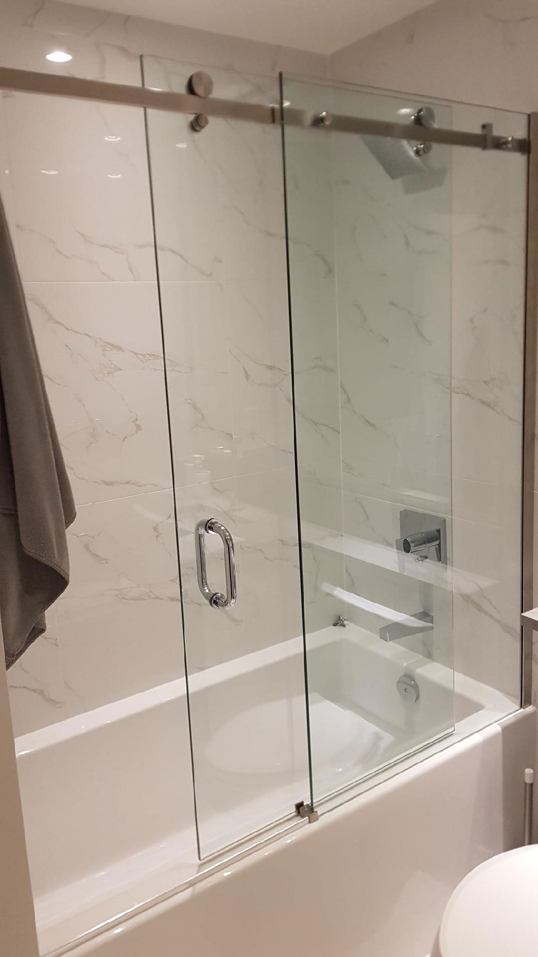 Sliding glass shower/tub doors, 10m tempered glass